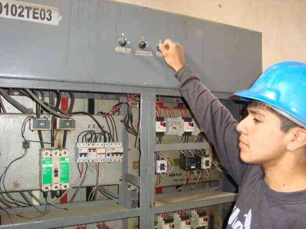 puertas seccionales cajamarca, 951789541, puertas levadizas cajamarca, control de accesos