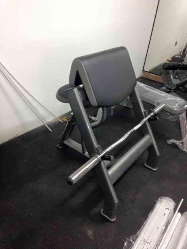 Equipamiento y venta de maquinas de gimnasio MK FITNESS
