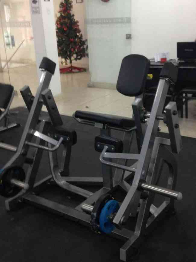 Equipamiento profesional de maquinas de gimnasio MK FITNESS