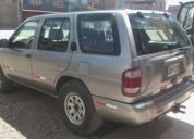 Remato excelente camioneta 4x4 nissan del 2000