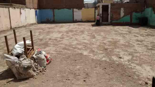 Terreno / local muy cerca de avenidas principales en Breña limite con Lima