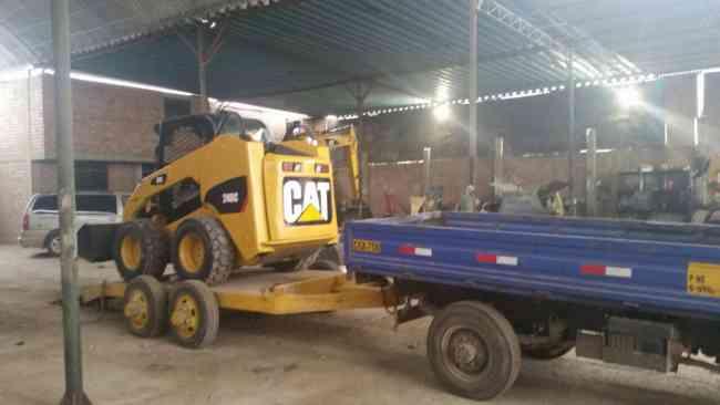 Alquiler Cama Bajas para Minicargadores y equipos para la construcción 4252269