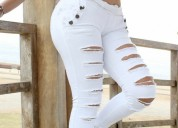 Joven venezolana, modelo de pantalones en gamarra,