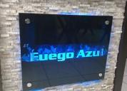 Placas en vidrio decorativas y letras