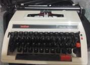Maquina de escribir en buen estado y de marca