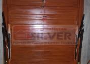Sistema para puertas levadizas seccionales cercos