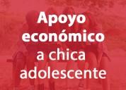 Joven brinda ayuda económica a mujer adolescente