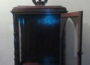 Antigua urna capilla para santos virgen