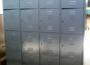 Lockers de 16 puertas
