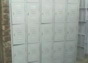 Lockers de 25 puertas