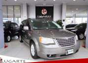 Chrysler town country 2010 137851 kms