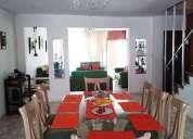 Alquiler casa tres pisos con cochera
