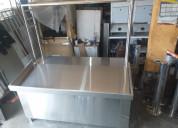 Mesa exhibidora de acero para colgar pollos carne