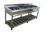 Cocina  con horno y plancha convencional en acero