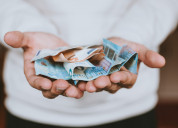 Ayuda económica a estudiantes, madres solteras